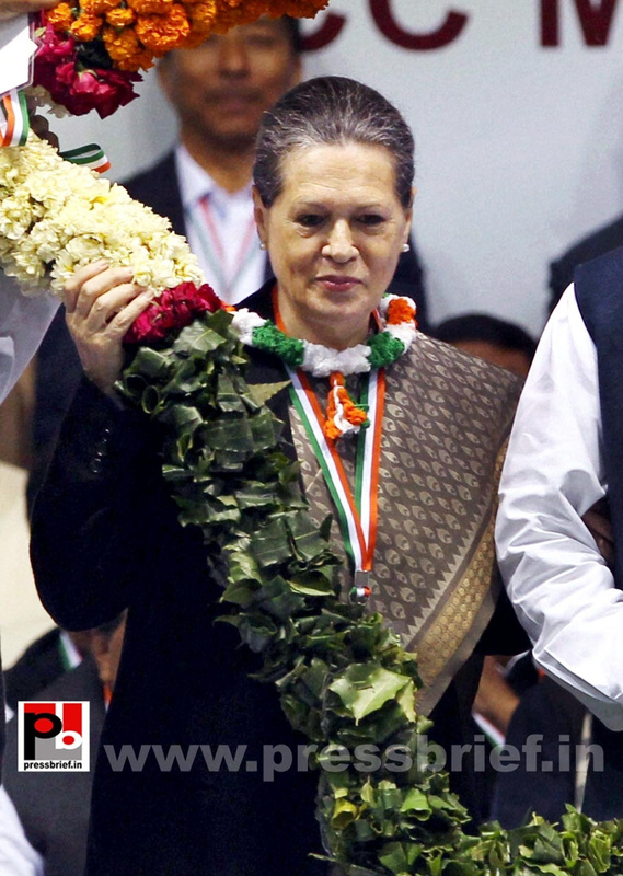 Sonia Gandhi at AICC session in New Delhi (5)