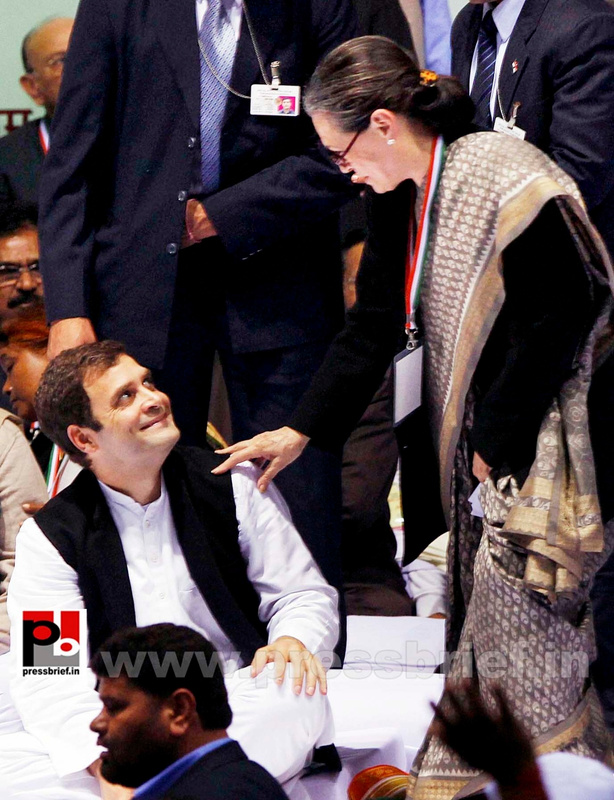 Sonia Gandhi at AICC session in New Delhi (14)