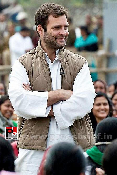 Rahul Gandhi interacts with Aanganwadi workers (5)