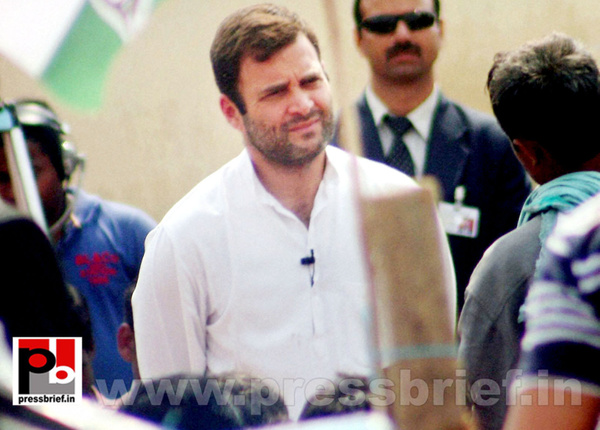 Rahul Gandhi interacts with rickshaw pullers (4) by...