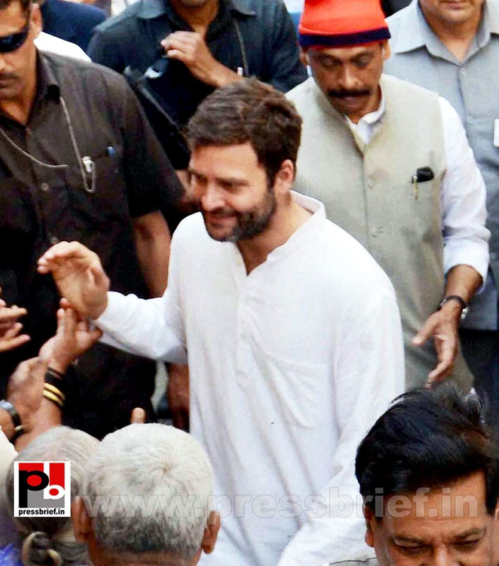 Rahul Gandhi interacts with fishermen (3)