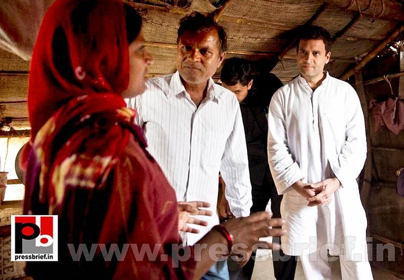 Rahul Gandhi at a Congress rally in Gujarat (7)