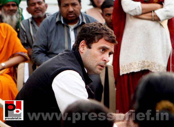 Rahul Gandhi interacts with street vendors (2) by...