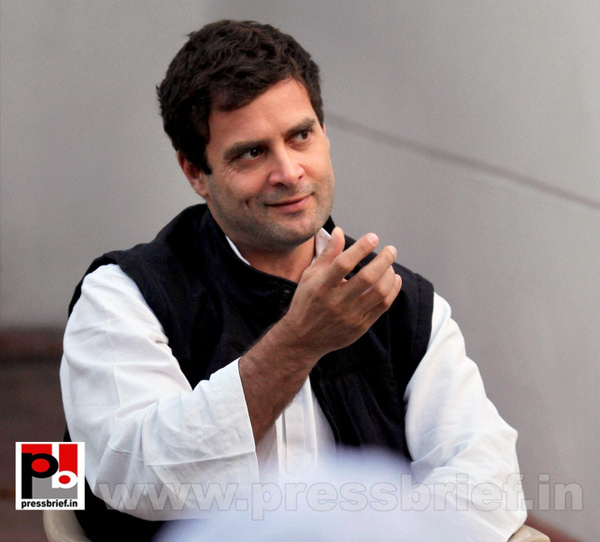 Rahul Gandhi interacts with street vendors (3) by...
