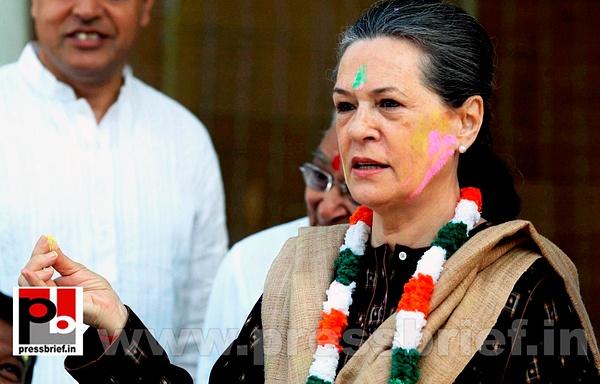 Sonia Gandhi celebrates holi (1) by Pressbrief In