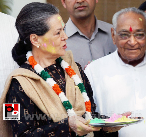 Sonia Gandhi celebrates holi (2) by Pressbrief In
