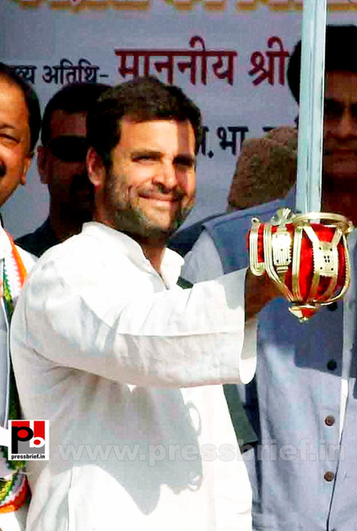 Rahul Gandhi campaigns at Pratapgarh (4) by Pressbrief In