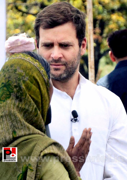 Rahul Gandhi campaigns at Pratapgarh (8) by Pressbrief In