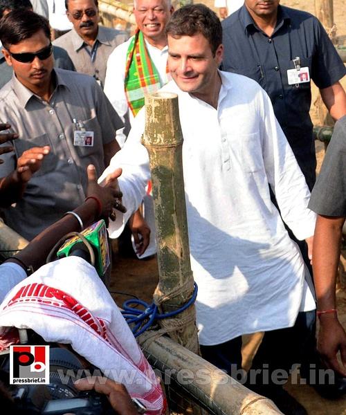 Rahul Gandhi at Jalpaiguri (5) by Pressbrief In