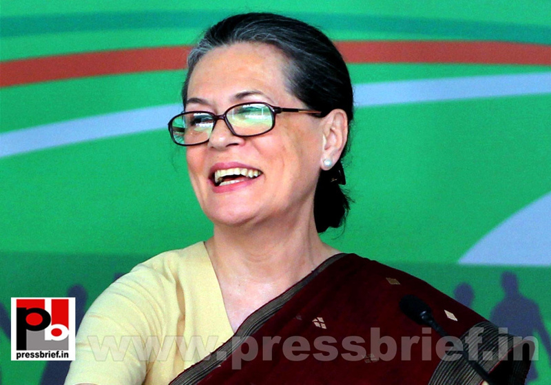 Sonia Gandhi at Congress manifesto release (6)