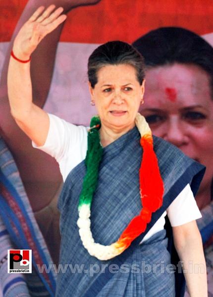 Sonia Gandhi in New Delhi  (3) by Pressbrief In