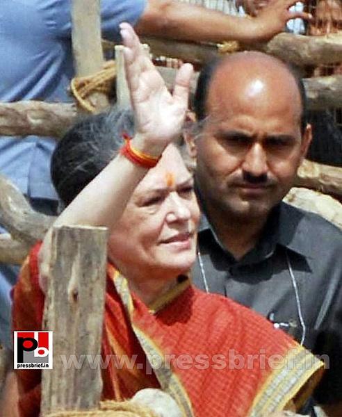 Sonia Gandhi at Mewat, Haryana (6) by Pressbrief In
