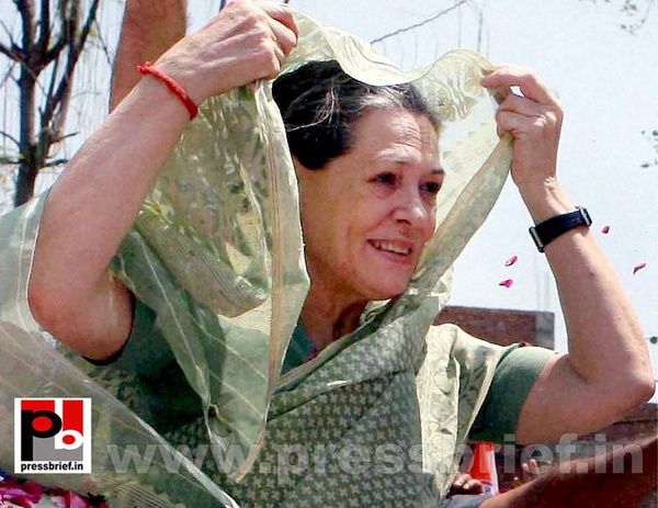 Sonia Gandhi files nomination from Raebareli (11) by...