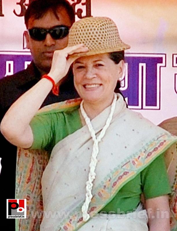 Sonia Gandhi at Madhya Pradesh (2)