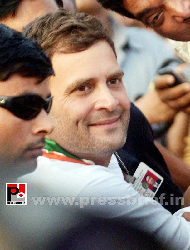 Rahul Gandhi at Dakshin Puri, New Delhi (7)