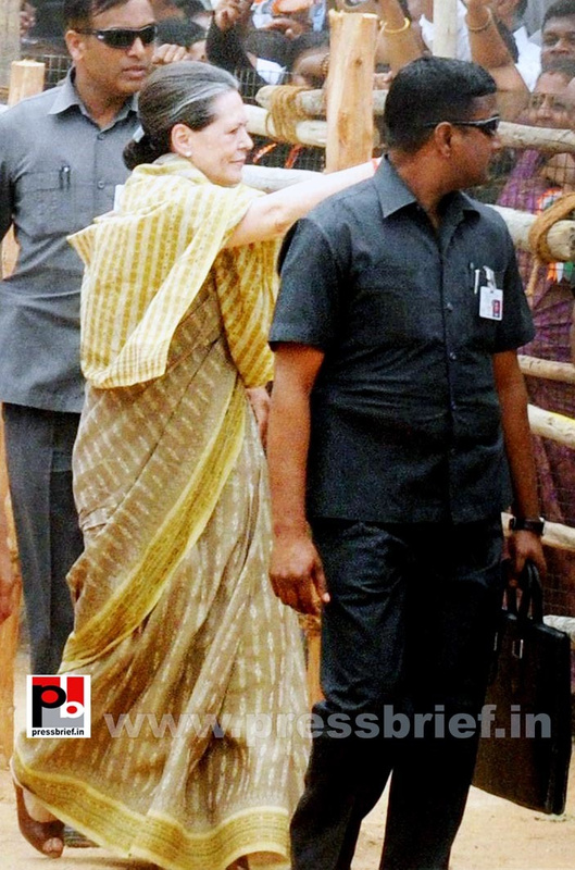 Sonia Gandhi at Kolar, Karnataka (9)