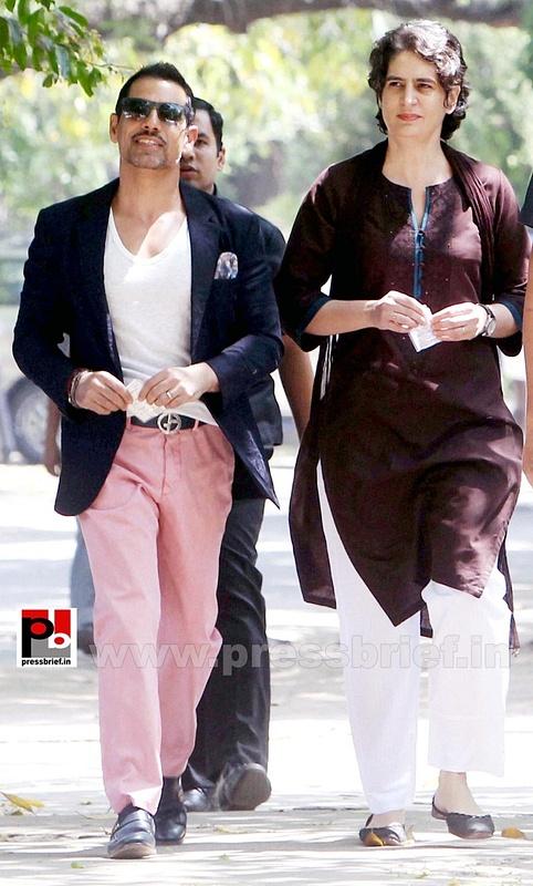 Priyanka Gandhi votes in New Delhi (2)
