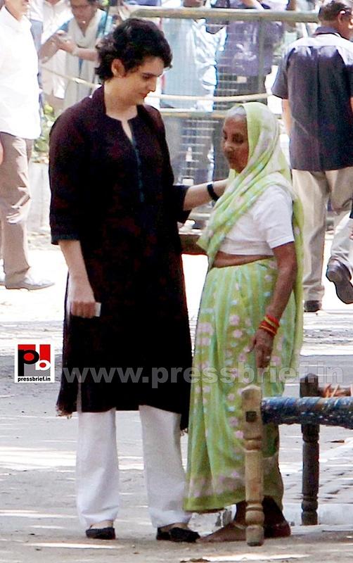 Priyanka Gandhi votes in New Delhi (3)