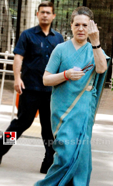 Sonia Gandhi after voting for LS polls (4) by Pressbrief...