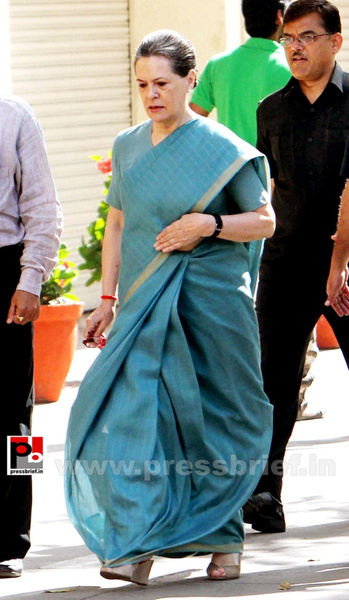 Sonia Gandhi after voting for LS polls (2) by Pressbrief...