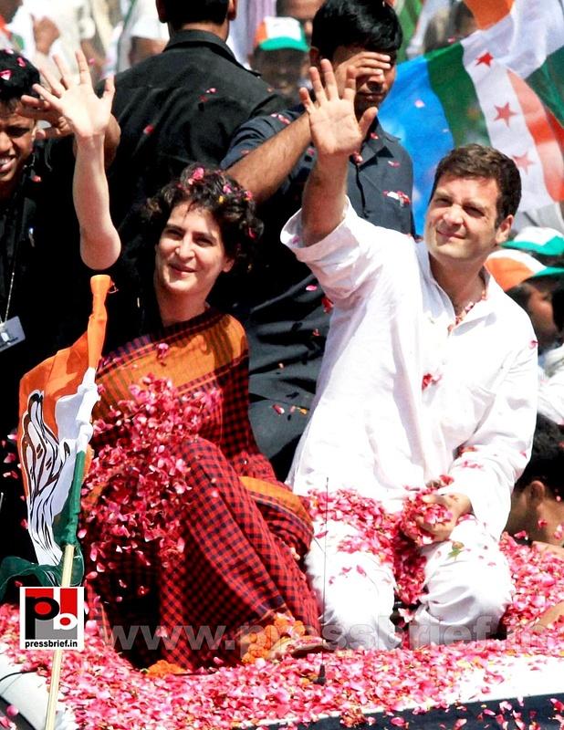 Rahul Gandhi's road show in Amethi (1)