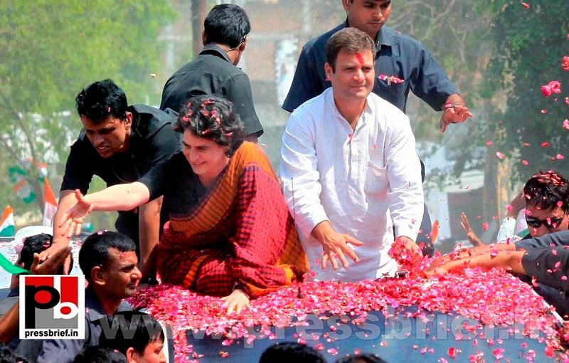 Rahul Gandhi's road show in Amethi (12)