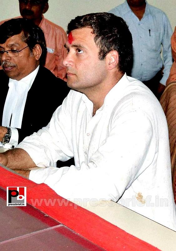 Rahul Gandhi's road show in Amethi (16)