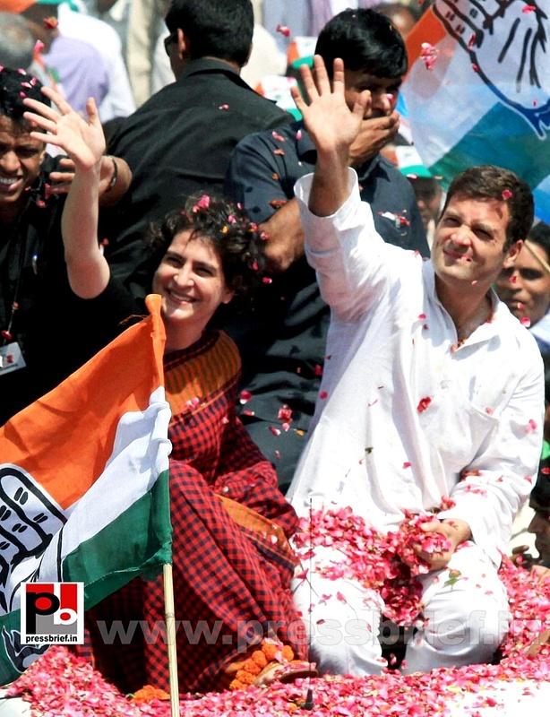 Rahul Gandhi's road show in Amethi (5)
