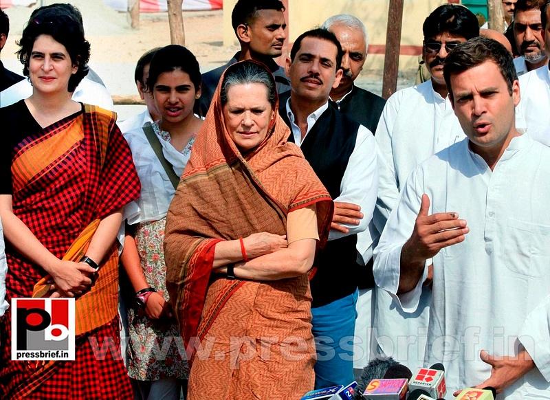 Rahul Gandhi's road show in Amethi (7)