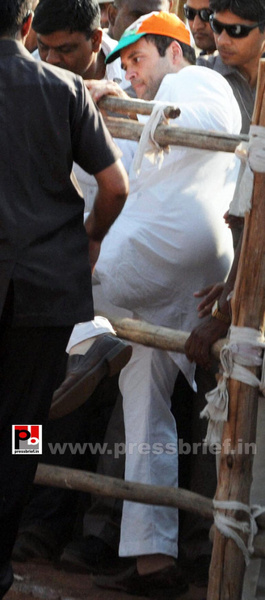 Rahul Gandhi at Latur, Maharashtra (6) by Pressbrief In