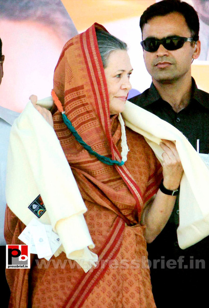 Sonia Gandhi at Jaipur, Rajasthan (6) by Pressbrief In