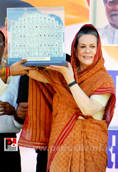 Sonia Gandhi at Jaipur, Rajasthan (7) by Pressbrief In