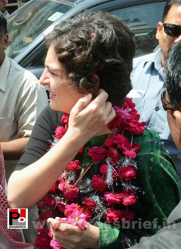 Priyanka Gandhi Vadra in Amethi (1)