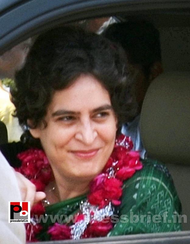 Priyanka Gandhi Vadra in Amethi (2)