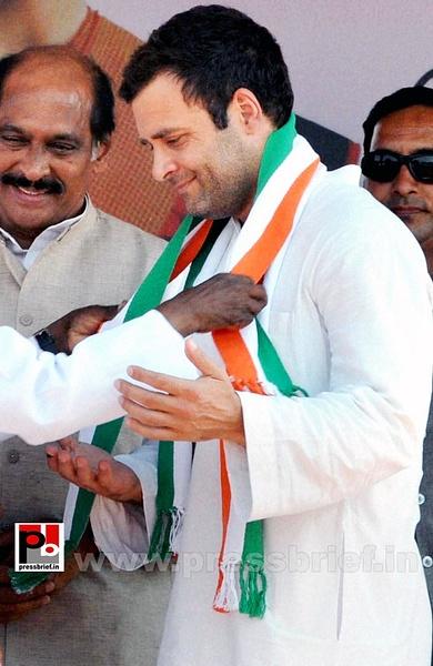 Rahul Gandhi at Latur, Maharashtra (5) by Pressbrief In