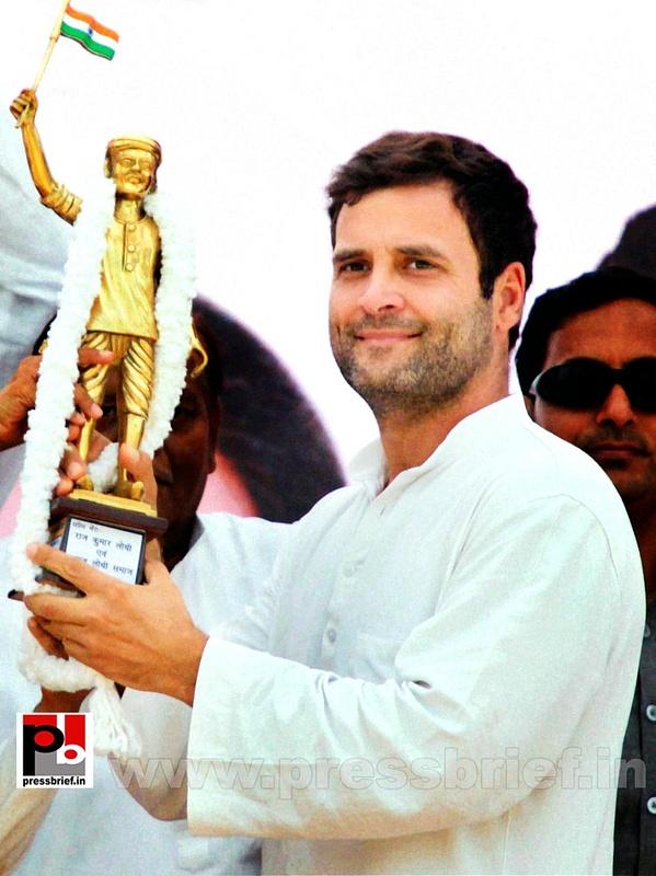 Rahul Gandhi at Unnao, UP (2)