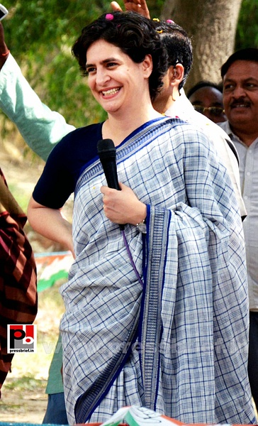 Priyanka Gandhi Vadra in Raebareli (1) by Pressbrief In