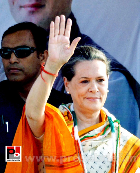 Sonia Gandhi in Telangana (2) by Pressbrief In