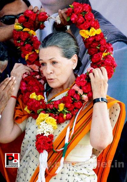 Sonia Gandhi in Telangana (3) by Pressbrief In