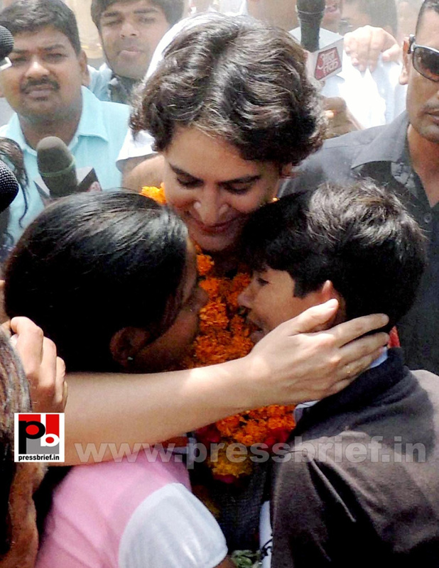 Priyanka Gandhi in Raebareli, UP (5)