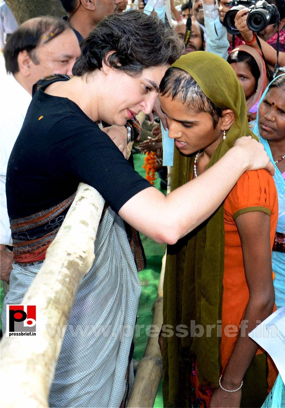 Priyanka Gandhi in Raebareli, UP (6)