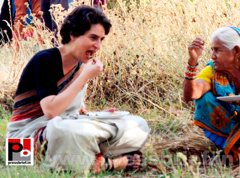 Priyanka Gandhi in Raebareli, UP (7)