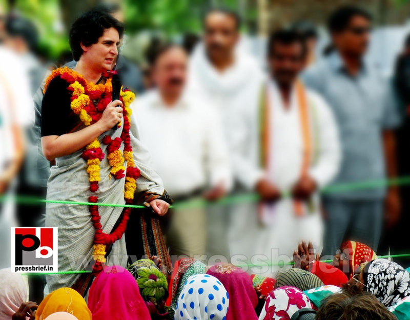 Priyanka Gandhi in Raebareli, UP (9)