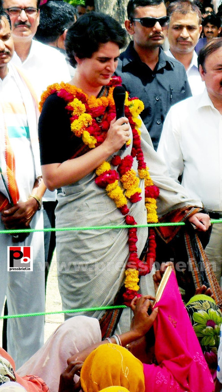 Priyanka Gandhi in Raebareli, UP (10)