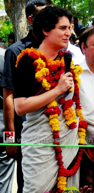 Priyanka Gandhi in Raebareli, UP (11)