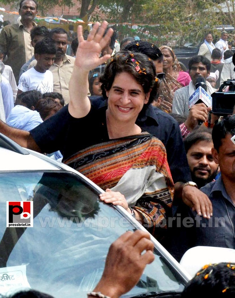 Priyanka Gandhi in Raebareli, UP (14) by Pressbrief In