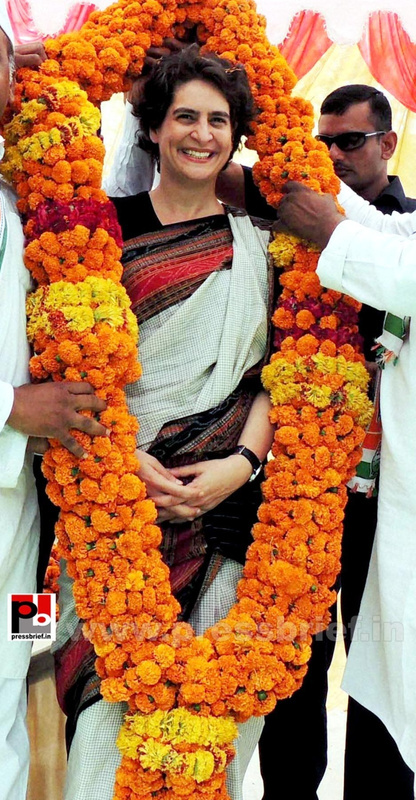Priyanka Gandhi in Raebareli, UP (1)