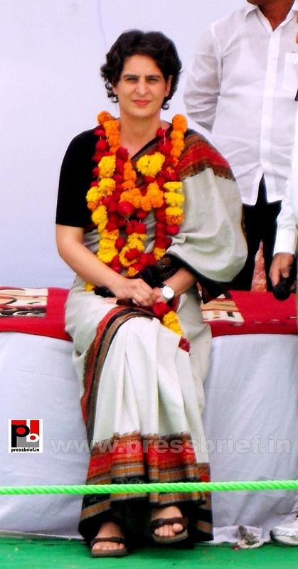 Priyanka Gandhi in Raebareli, UP (2)