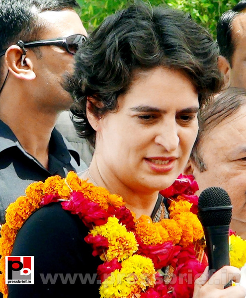 Priyanka Gandhi in Raebareli, UP (16) by Pressbrief In
