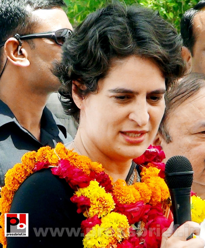 Priyanka Gandhi in Raebareli, UP (16)